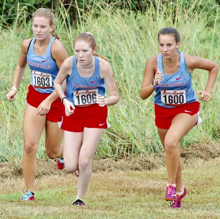 Pleasant Valley runners in recent race.jpg